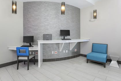 Business Center | Holiday Inn Express & Suites Houston - Hobby Airport Area