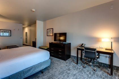 Guestroom | Holiday Inn Express & Suites Gatesville