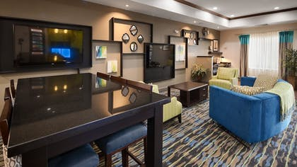 Lobby | Best Western Plus Denver City Hotel and Suites