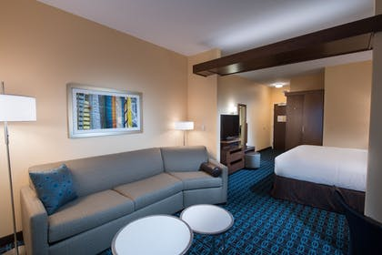 Living Area | Fairfield Inn & Suites Wheeling Triadelphia at The Highlands