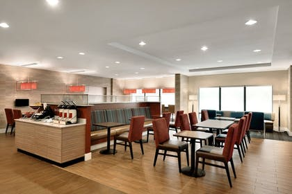 Restaurant | TownePlace Suites Pittsburgh Airport/Robinson Township