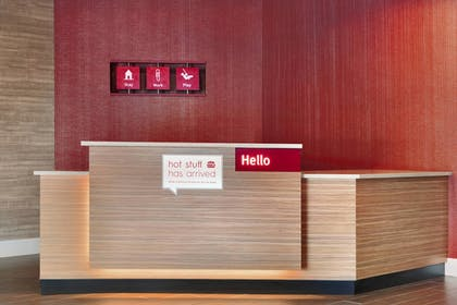 Lobby | TownePlace Suites Pittsburgh Airport/Robinson Township