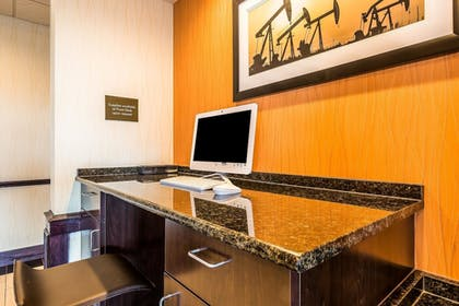 Business Center | Comfort Inn & Suites Moore - Oklahoma City