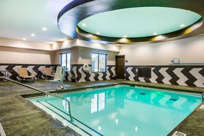 Pool | Comfort Inn & Suites Moore - Oklahoma City