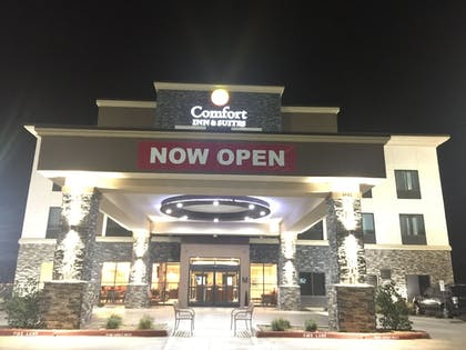 Hotel Front - Evening/Night | Comfort Inn & Suites Moore - Oklahoma City