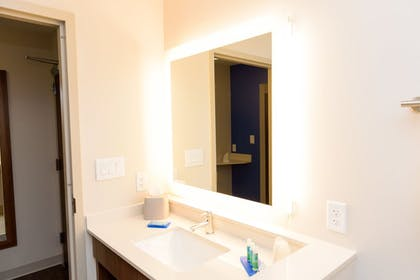 Bathroom | Holiday Inn Express & Suites McKinney - Frisco East