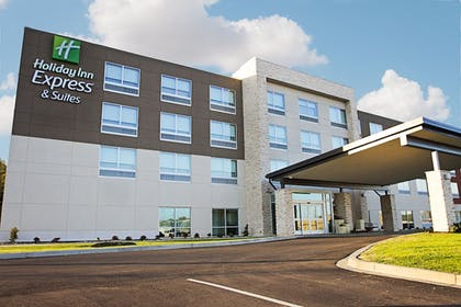 Featured Image   Holiday Inn Express & Suites Greenwood Mall