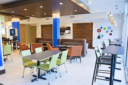 Dining   Holiday Inn Express & Suites Greenwood Mall
