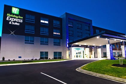 Hotel Front - Evening/Night   Holiday Inn Express & Suites Greenwood Mall