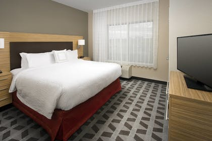 Guestroom | TownePlace Suites by Marriott Alexandria Fort Belvoir