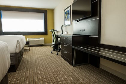 Guestroom | Holiday Inn Express & Suites Marietta