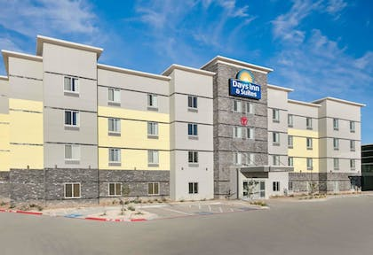 Featured Image | Days Inn & Suites by Wyndham Lubbock Medical Center