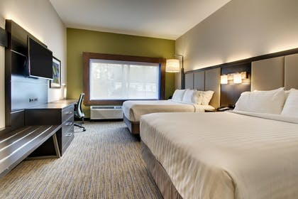 Guestroom | Holiday Inn Express & Suites Charleston NE Mt Pleasant US17