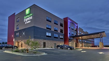 Featured Image | Holiday Inn Express and Suites Broomfield
