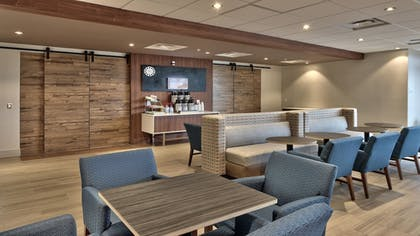 Breakfast Area | Holiday Inn Express and Suites Broomfield