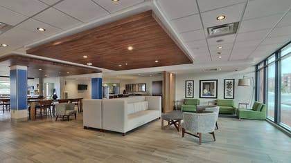 Lobby | Holiday Inn Express and Suites Broomfield