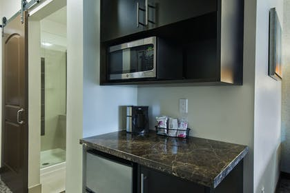 In-Room Kitchenette | Oxford Suites Sonoma County