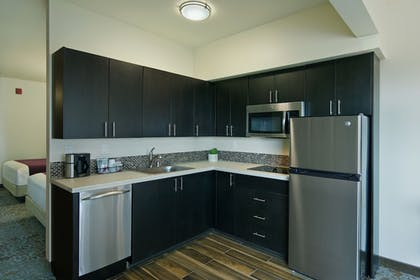 In-Room Kitchen | Oxford Suites Sonoma County