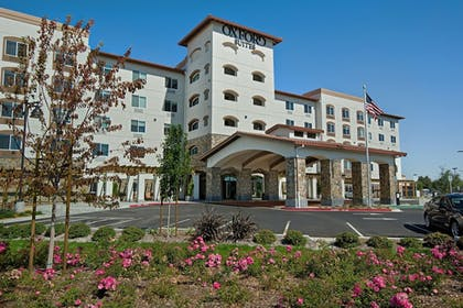 Featured Image | Oxford Suites Sonoma County