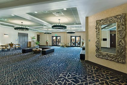 Reception Hall | Oxford Suites Sonoma County