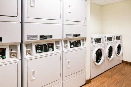 Laundry Room | Towneplace Suites Kansas City Airport