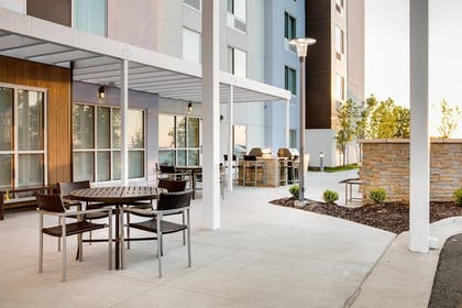 Property Grounds | Towneplace Suites Kansas City Airport