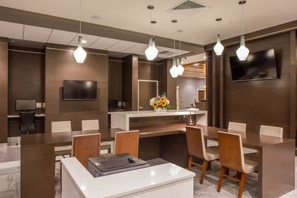 Business Center | Wingate By Wyndham Miami Airport