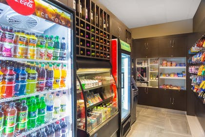 Snack Bar | Wingate By Wyndham Miami Airport