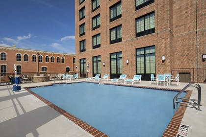 Pool | Holiday Inn Express Pensacola Downtown