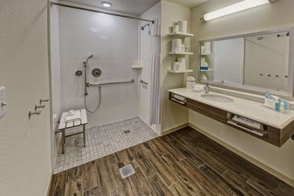 Bathroom | Hampton Inn & Suites Nashville Hendersonville