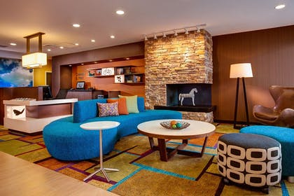 Lobby | Fairfield Inn and Suites by Marriott Charlotte Airport