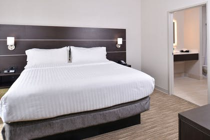 Guestroom | Holiday Inn Express & Suites Corpus Christi - N Padre Island