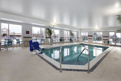 Indoor Pool | TownePlace Suites Grove City Mercer/Outlets