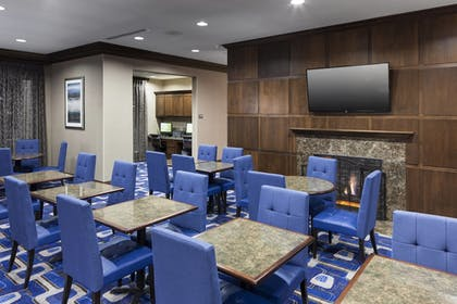 Breakfast Area | Residence Inn by Marriott Dallas Plano/Richardson