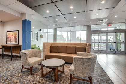 Lobby | Holiday Inn Express & Suites Dallas North - Addison