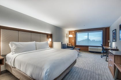 Guestroom | Holiday Inn Express & Suites Dallas North - Addison