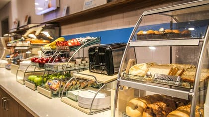 Breakfast Meal | Holiday Inn Express & Suites Kingston-Ulster