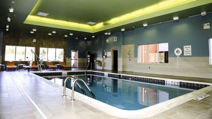 Pool | Holiday Inn Express & Suites Kingston-Ulster