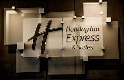 Exterior | Holiday Inn Express & Suites Kingston-Ulster
