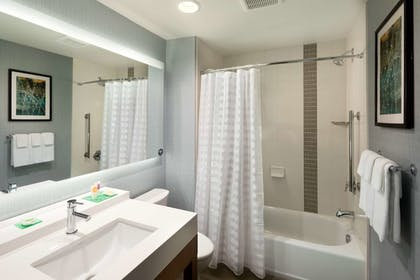 Bathroom | Hyatt Place Biloxi