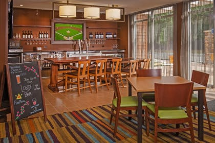 Restaurant | Fairfield Inn & Suites by Marriott Richmond Ashland
