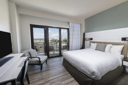 Guestroom | SpringHill Suites by Marriott Navarre Beach