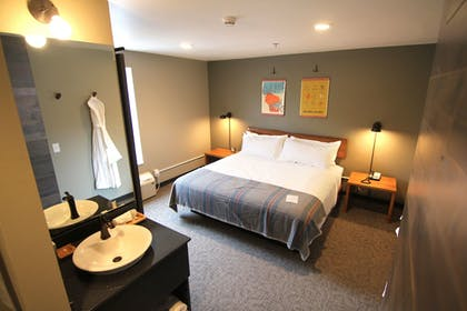 Guestroom | The Oxbow Hotel