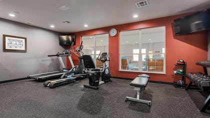 Fitness Facility | Best Western Plus Airport Inn & Suites