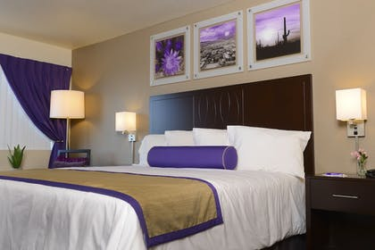 Guestroom | Grand Canyon University Hotel