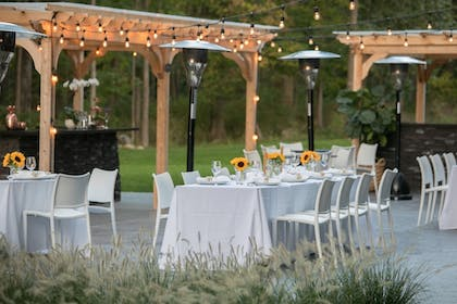 Outdoor Dining | Hotel Zero Degrees Danbury