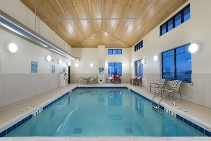 Pool | Best Western Plus Hudson Hotel & Suites