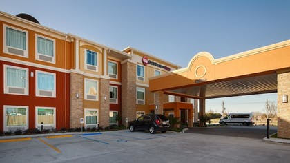 Hotel Front | Best Western Plus New Orleans Airport Hotel