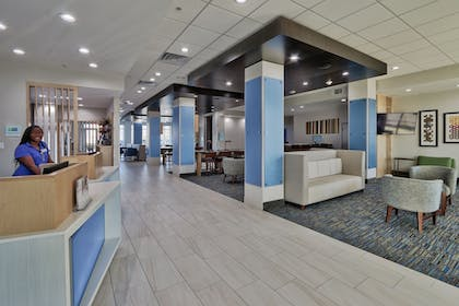 Lobby | Holiday Inn Express & Suites Houston East - Beltway 8