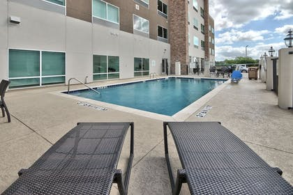 Pool | Holiday Inn Express & Suites Houston East - Beltway 8